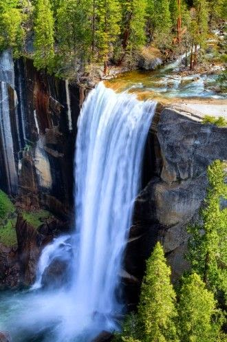 15 Of The Most Picturesque Waterfalls In The World_007