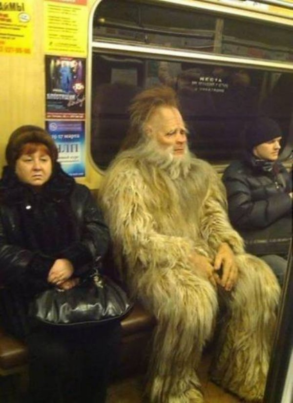 Hilarious Things People Saw While Riding The Subway_015
