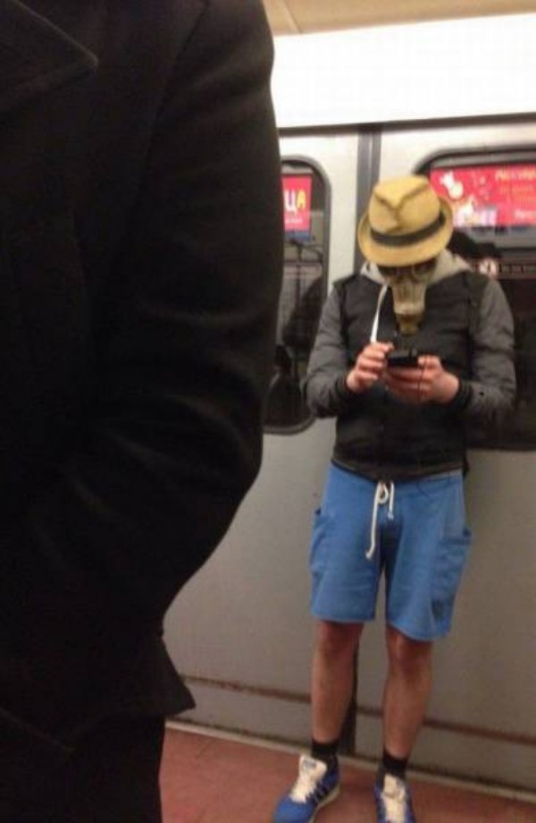 Hilarious Things People Saw While Riding The Subway_017