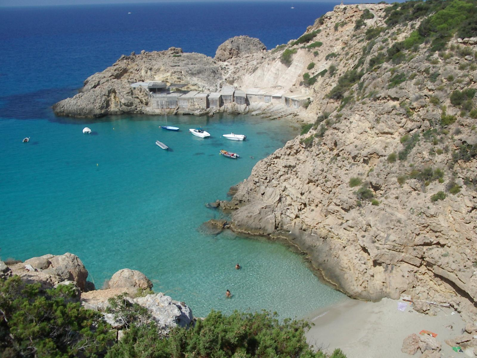 15 Sexy Beaches You Did Not Know Existed (8)