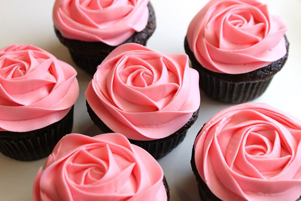 20 Uber Creative Ways To Decorate Your Cupcakes (14)