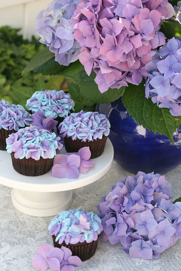 20 Uber Creative Ways To Decorate Your Cupcakes (6)