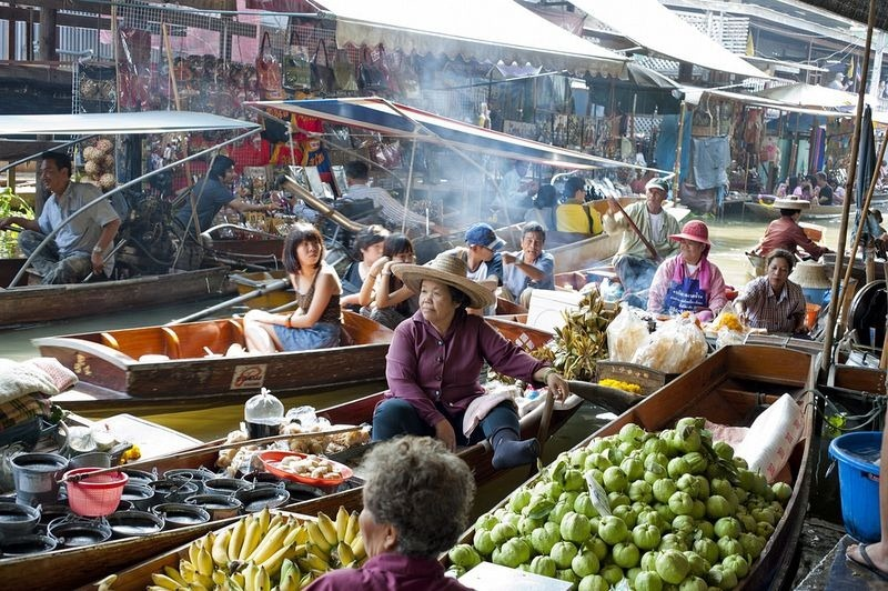 Images Of Markets On Boats In Southeast Asia (3)