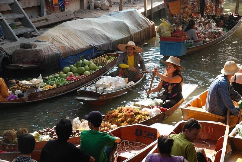 Images Of Markets On Boats In Southeast Asia (5)