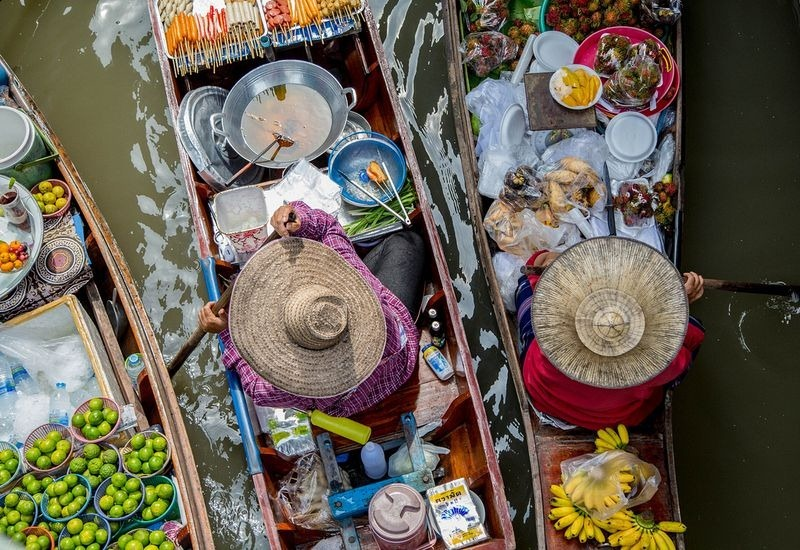 Images Of Markets On Boats In Southeast Asia (6)