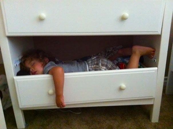 Kids Who Mastered The Art Of Sleeping ANYWHERE (9)