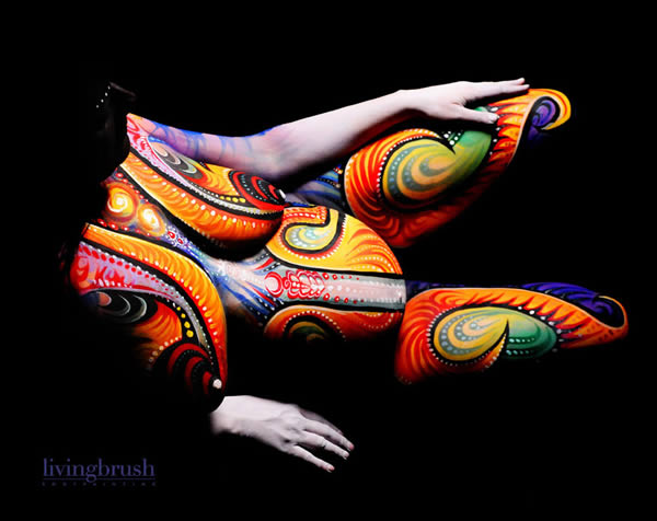 Pictures Of Pregnant Bellies Being Used As A Canvas  (5)