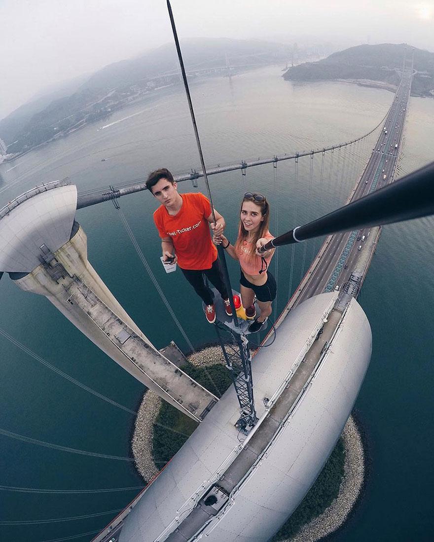 World's Most Dangerous Selfies (8)
