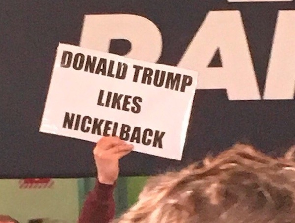 14 Hilarious Political Signs From The 2016 Presidential Campaign (6)
