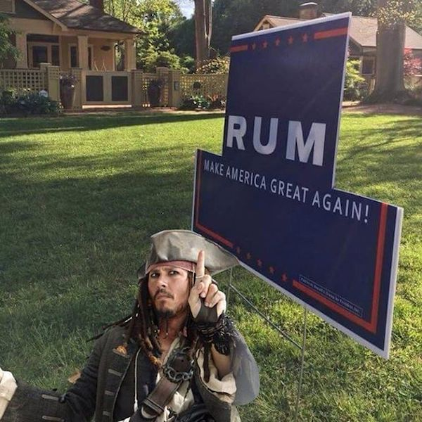 14 Hilarious Political Signs From The 2016 Presidential Campaign (8)