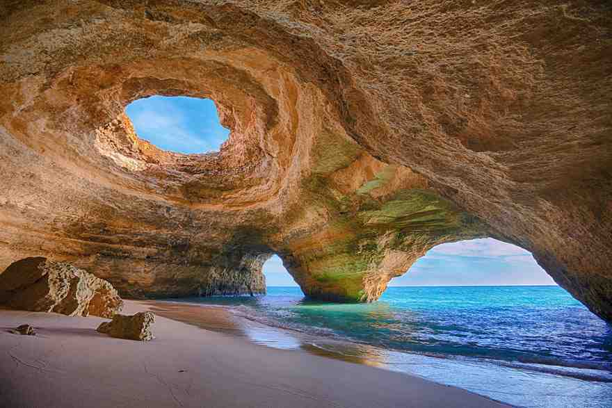 15-caves-from-around-the-world-thatll-make-you-explore-one-right-away-7