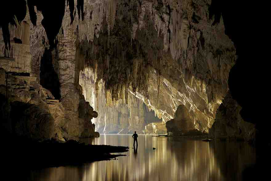15-caves-from-around-the-world-thatll-make-you-explore-one-right-away-9