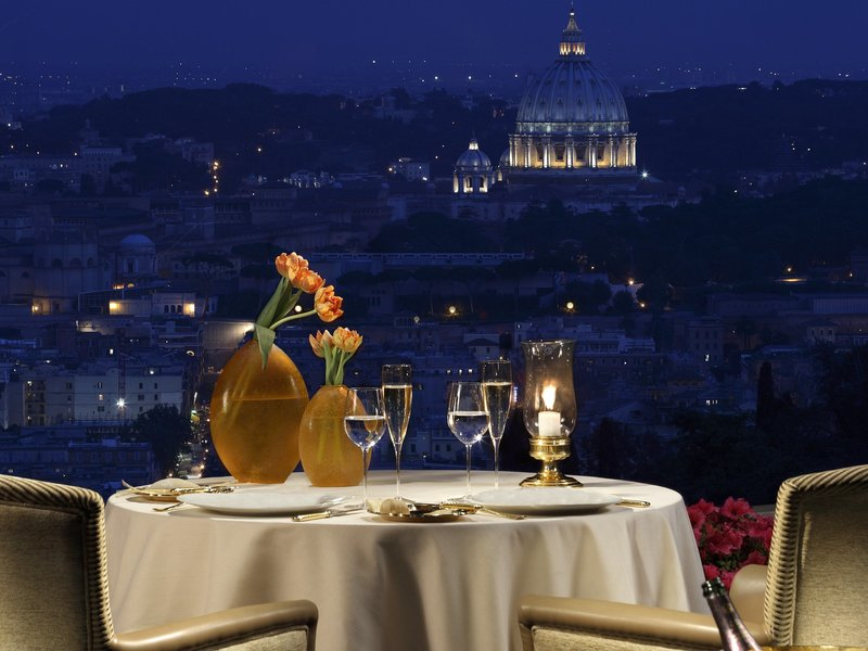 25 Restaurants You Should Visit Just For The View They Offer (13)