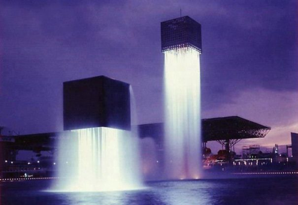 13 Of The Craziest Water Fountains In The World_011