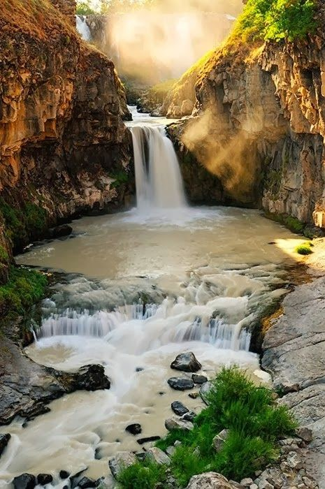15 Of The Most Picturesque Waterfalls In The World_005