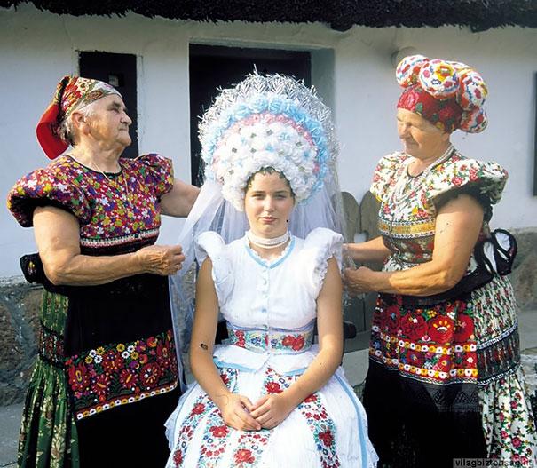Best Wedding Dresses From Around The World 13