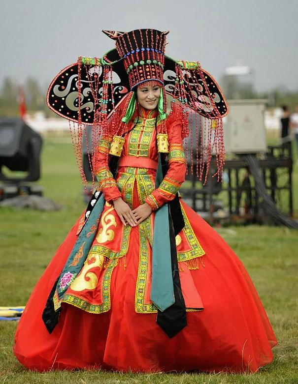 Best Wedding Dresses From Around The World 4