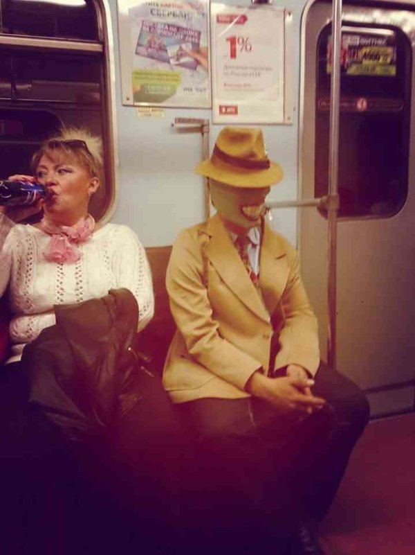 Hilarious Things People Saw While Riding The Subway_003