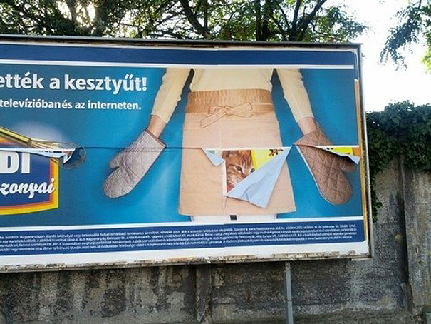 16 Of The Most Hilarious Advertising Fails (15)