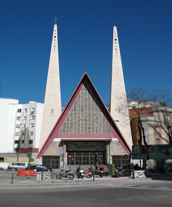 20 Most Unique Churches From Around The World (3)