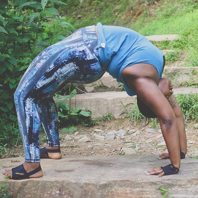 Jessamyn Stanley Proves That You Don't Need A 'Particular' Kind Of Body To Master Yoga (10)