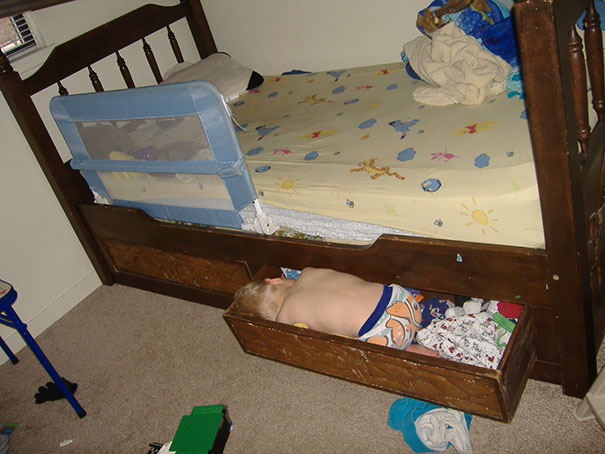 Kids Who Mastered The Art Of Sleeping ANYWHERE (10)
