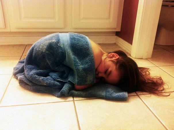 Kids Who Mastered The Art Of Sleeping ANYWHERE (11)