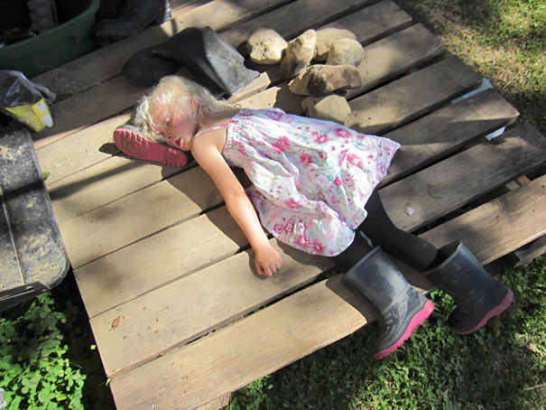 Kids Who Mastered The Art Of Sleeping ANYWHERE (13)