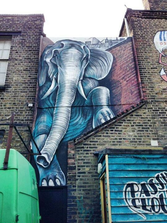 Of The Craziest Street Wall Artwork From Around The World_008
