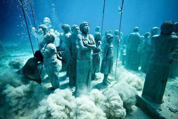 This Underwater Museum In Mexico  (10)