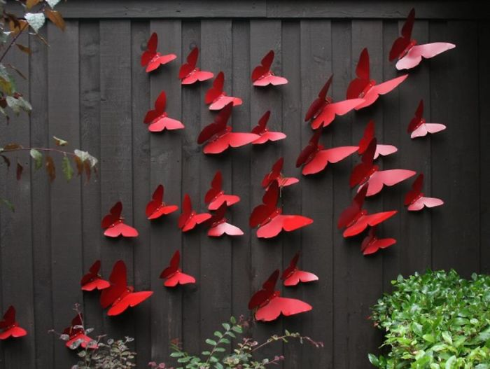 Ways To Make Your Garden Fences Look Extraordinary 8