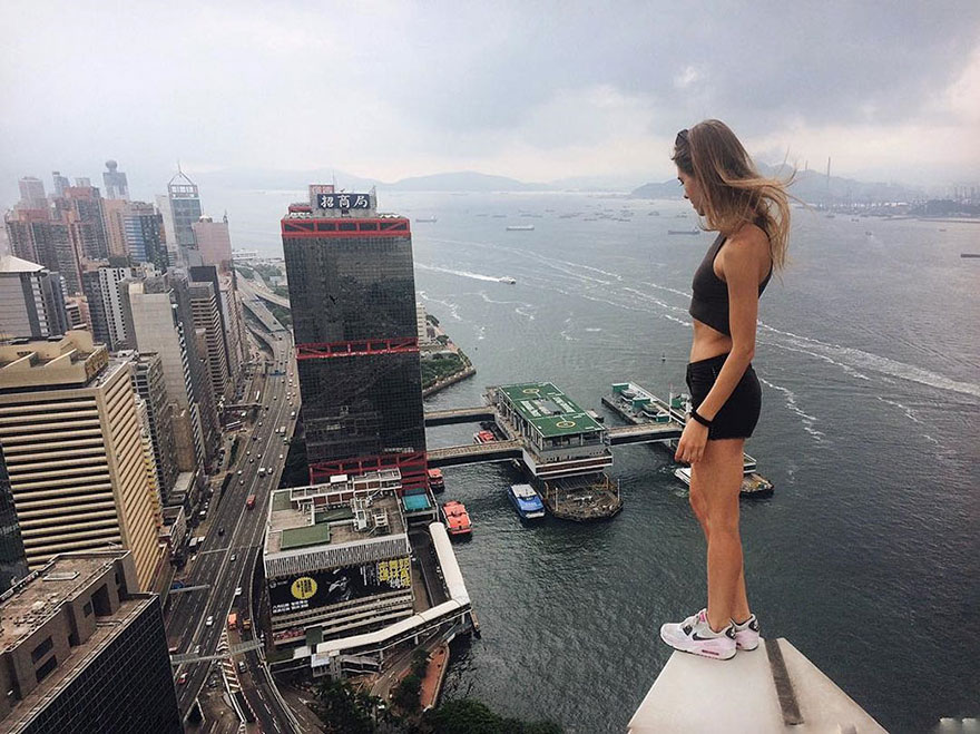 World's Most Dangerous Selfies (7)