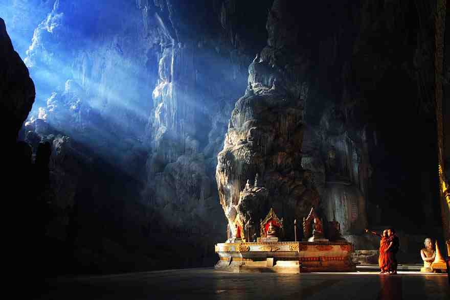 15-caves-from-around-the-world-thatll-make-you-explore-one-right-away-10