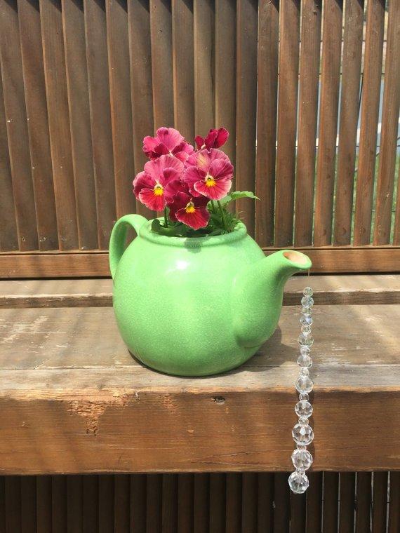 17-amazing-ways-you-can-use-a-teapot-diy-11