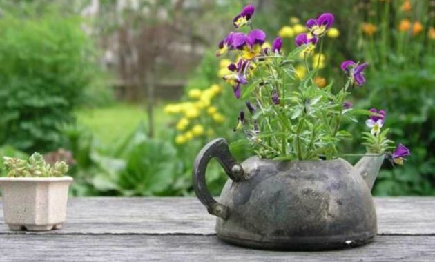 17-amazing-ways-you-can-use-a-teapot-diy-13
