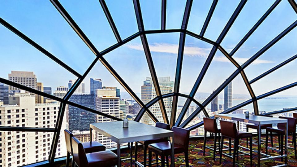 25 Restaurants You Should Visit Just For The View They Offer (24)